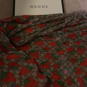 Gucci scarf strawberries